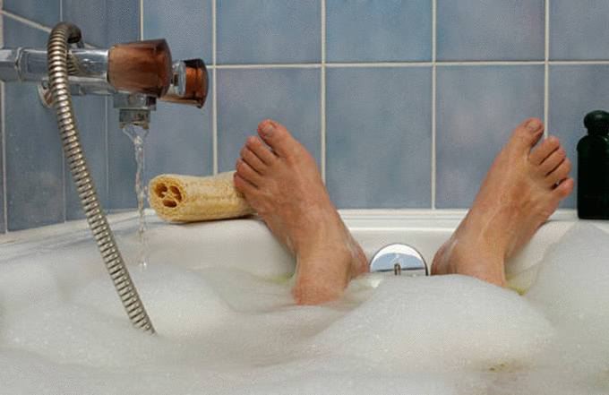 meilleure astuce pour nettoyer baignoire