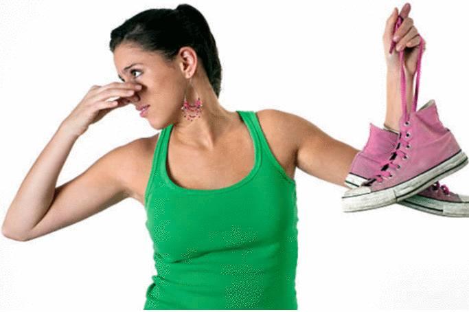 meilleure astuce pour enlever odeur chaussures